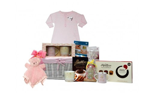 Mummy and Me Deluxe Baby Girl Basket